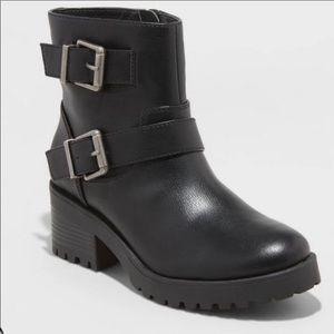 UNIVERSAL THREAD Black Buckle Heeled Boots